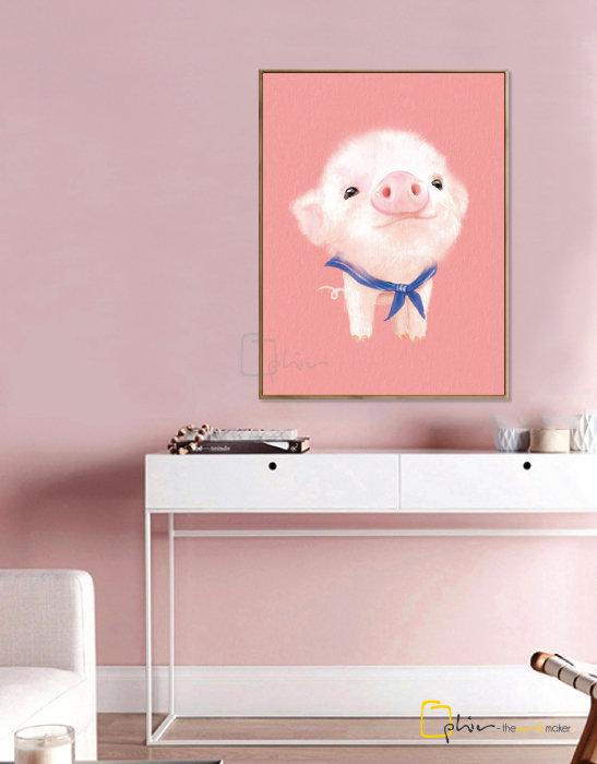 The Fluffy Fleece Piggy - Floater Frame - Dark Oak